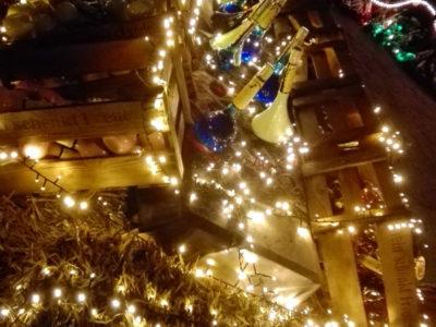 Phantastischer Mittelalterlicher Lichter Weihnachtsmarkt
